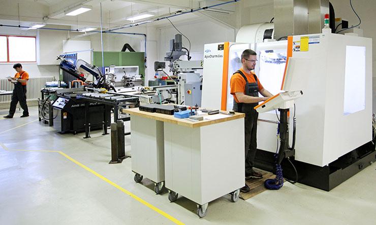 Forgácsolás a Kvalix alkatrészgyártó műhelyében