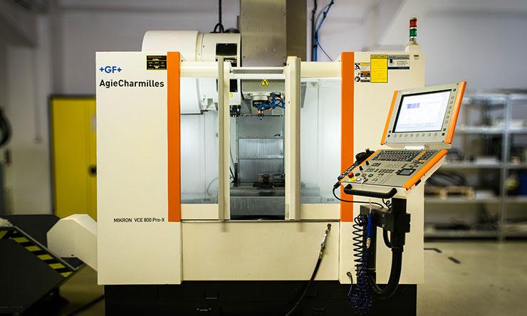 Mikron VCE800Pro-X CNC megmunkáló központ a Kvalixnál